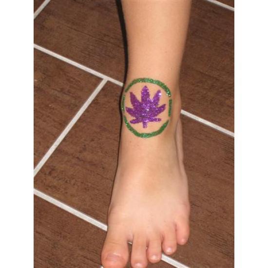 Cannabis 01 festősablon Jelképek